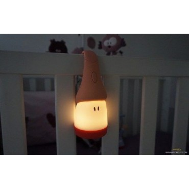 Pakarama naktslampiņa 2 vienā: nakts apgaismojums vai lukturītis