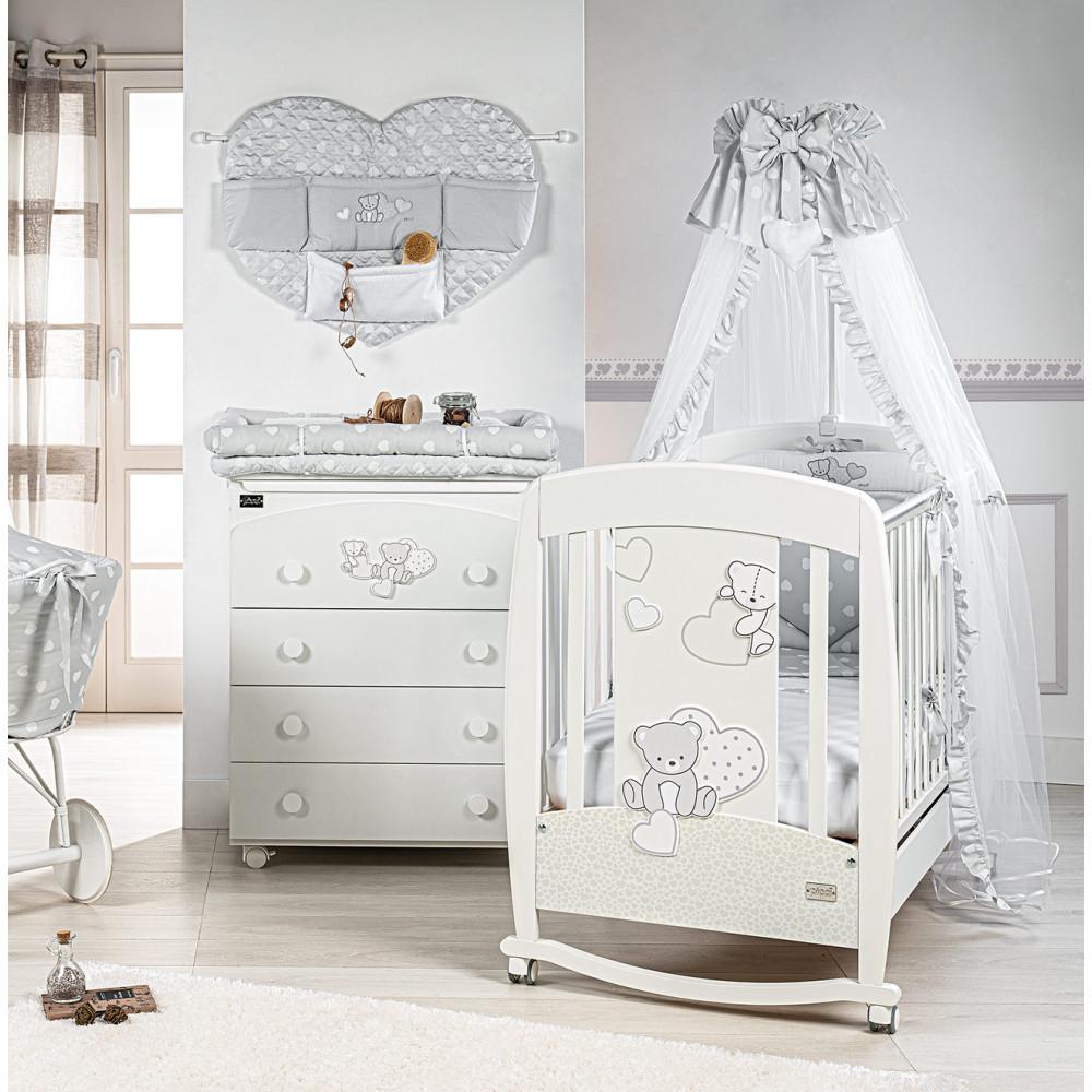 Komplekts gulta Amelie + kumode Amelie + matracis, apmalītes un gultas veļa DĀVANĀ